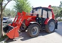 Экскаватор-бульдозер-погрузчик ЭБП-17 на базе трактора СМТ-80. Алматы, улица Толе би