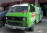Цельнометаллический фургон Volkswagen Transporter T3 #Н 208 СР 72. Тюмень, Киевская улица