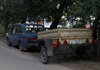 Прицеп КМЗ-8136 #АУ 1523 72 в составе автопоезда. Тюмень, Киевская улица