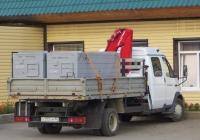 Бортовой грузовик на шасси с  КМУ на шасси ГАЗ-331043.