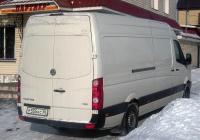 Цельнометаллический фургон Volkswagen Crafter #Р 555 КС 96. Свердловская область, Талица, улица Ленина
