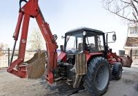 Экскаватор-погрузчик ЭО-2626М на базе трактора Беларус 82.1. Алматы, улица Саина