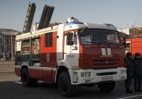 Пожарная автоцистерна АЦ-3,2-40/4(5387)-014МС на шасси КамАЗ-5387. Самара, площадь имени В. В. Куйбышева