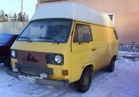Цельнометаллический фургон Volkswagen Transporter T3 #Е 858 ЕК 66  . Свердловская область, Троицкий, улица Мира