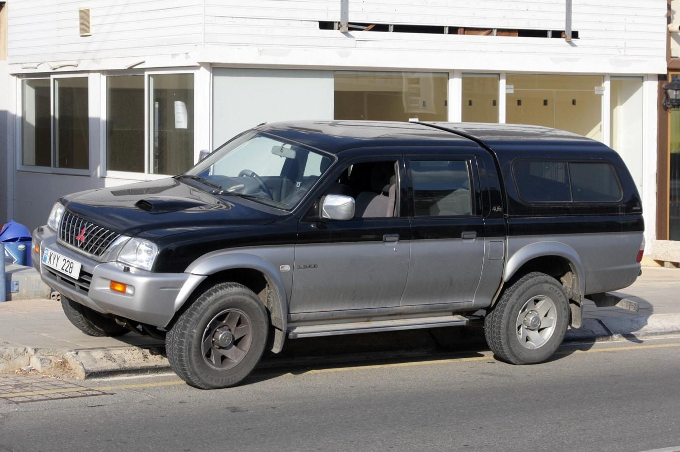 Пикап Mitsubishi L200 #KYY 228. Республика Кипр, муниципалитет Айя-Напа, Пернера