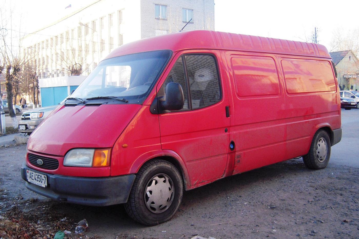 Цельнометаллический фургон Ford Transit Mk5 #AE 4350-7. Свердловская область, Тугулым, улица Ленина