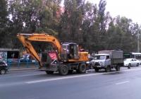 Экскаватор ТК-14 и бортовой грузовик УАЗ-3303. Самара, Московское шоссе