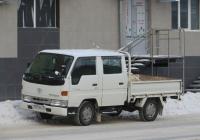 Бортовой грузовик Toyota ToyoAce #Т 609 ЕЕ 45 . Курган, улица Карла Маркса