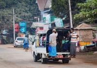 Бортовой грузовик Mazda Bongo #5G-1851, оборудованный для перевозки пассажиров. Мьянма, Моламьяйн
