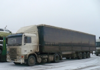 Седельный тягач Volvo F12 с полуприцепом. Вологодская область, Тотемский район, город Тотьма