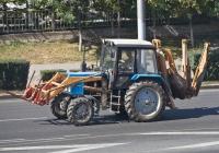 Навесное оборудование для пересадки деревьев с комом земли и фронтальный погрузчик на базе трактора Беларус-82.1. Алматы, улица Саина