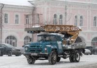 Автоподъемник АП-17А на шасси ЗиЛ-130 #В 109 ЕО 35. Вологда, площадь Революции