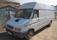 цельнометаллический фургон  IVECO TurboDaily 35-10 #Р 194 СЕ 163 . Самара, улица Больничная