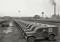 Санитарный автомобиль DODGE WC-54 для армии США, площадка готовой продукции. США, штат Мичиган, Детройт