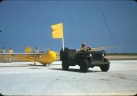 Буксировщик планеров на базе легкового автомобиля повышенной проходимости Willis MB . США