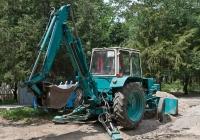 Экскаватор-бульдозер ЭО-2621В на базе трактора ЮМЗ-6КЛ(КМ) #A 632 AFD . Алматы, 7 микрорайон