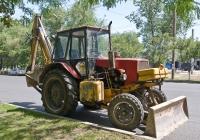 Экскаватор-бульдозер Борэкс-2102 на базе трактора ЮМЗ-6АКМ-40. Алматы, улица Момышулы