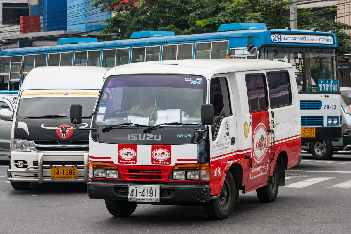 Микроавтобус на базе Isuzu NKR #41-4191. Таиланд, Бангкок