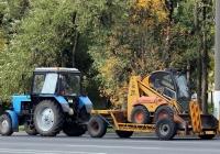 Трактор МТЗ-82.1 #3057 ТА с прицепом для перевозки малогабаритной спецтехники . Могилёв, улица Якубовского