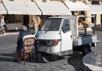грузовой мотороллер Piaggio Ape 50. Греция, остров Родос, Родос, старый город