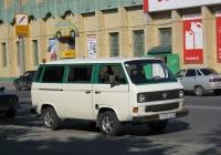 Микроавтобус Volkswagen Transporter T3 #Р 292 АО 45. Курган, улица Куйбышева