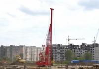 Гусеничный кран Hitachi. Алтайский край, Барнаул, Взлётная улица