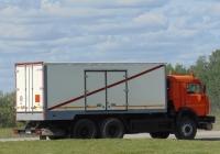 Специальный фургон для перевозки взрывчатых веществ на шасси КамАЗ-53229 #С492УН163. Омская область, трасса Р402