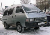 Микроавтобус Toyota Town Ace #М 277 РО 72 . Тюмень, улица Ленина