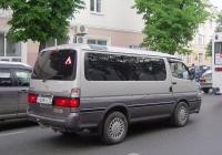 Микроавтобус Toyota Town Ace #М 888 РС 72 . Тюмень, улица Ленина