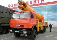 Машина завинчивания свай МЗС-219 на базе КамАЗ-53228 на выставке ВТТВ-Омск-2013. Омская область, город Омск, Областной экспоцентр