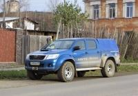 Пикап Toyota Hilux #Х 853 МО 96. Свердловская область, Карпинск, улица Луначарского