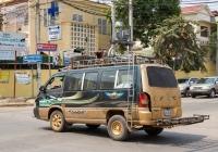 Микроавтобус SsangYong Istana #2A-2520. Камбоджа, Баттамбанг