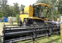 Зерноуборочный комбайн Сhalleger CH647C на выставке АгроОмск-2013. Омская область, город Омск, проспект Академика Королева, выставочный парк