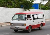 Микроавтобус Ford Econovan #KV 566 A. Малайзия, Лангкави, Пантай Ченанг