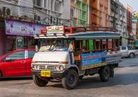 Грузовик Toyota #10-0209 с пассажирским кузовом. Таиланд, Сукотай