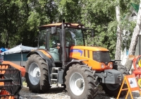 Трактор Terrion 3180M на выставке Агро-Омск-2014. Омская область, город Омск, проспект Академика Королева, выставочный парк