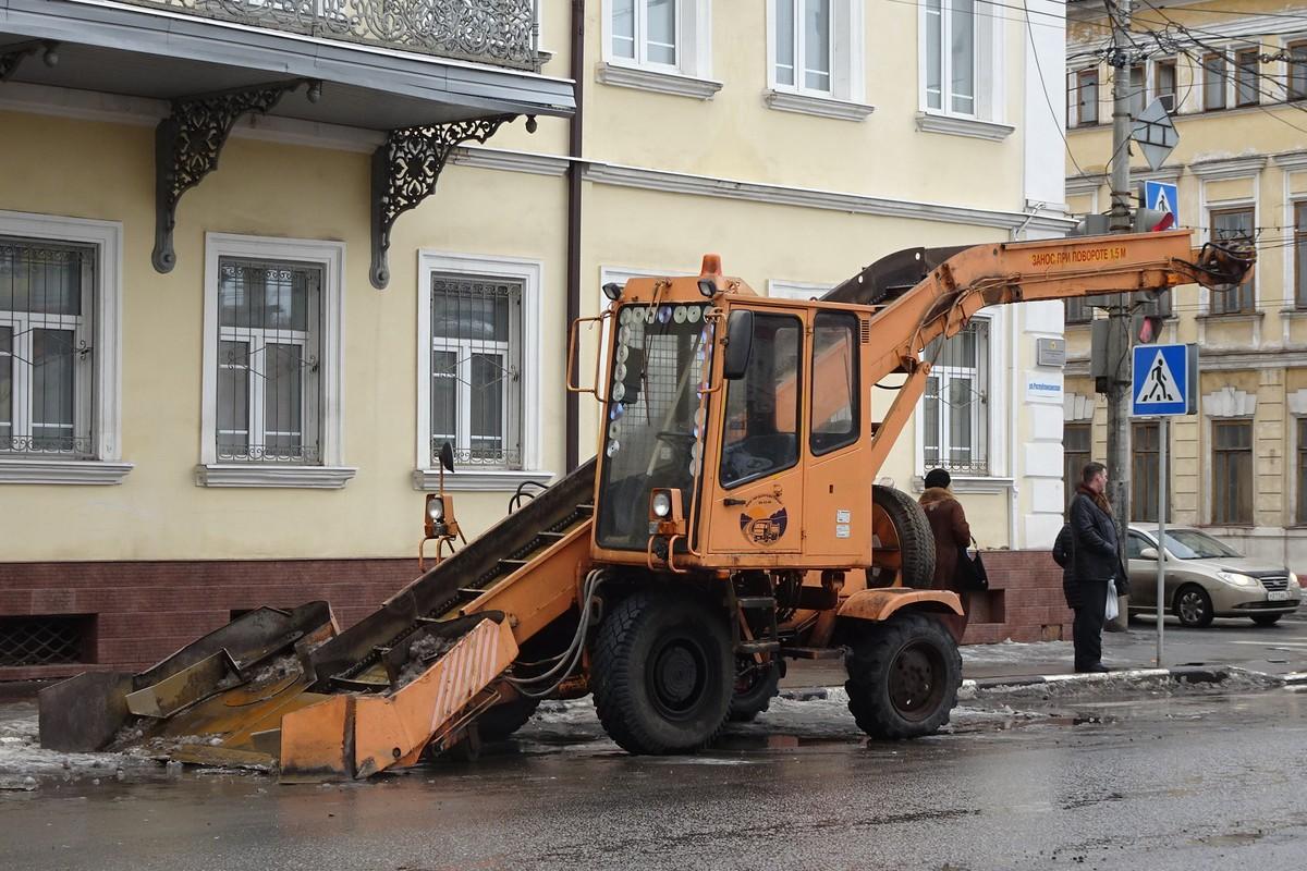 Погрузчик самоходный скребковый колёсный Амкодор 37 (МПУ-1) #2902 ХР 76. Ярославль, Республиканская улица