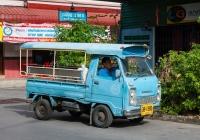 Бортовой грузовик Honda #30-1390, оборудованный для перевозки пассажиров. Таиланд, Хат Яй