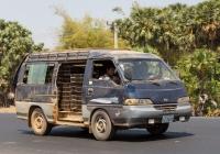 Микроавтобус Hyundai Grace #2J-5601. Камбоджа, Национальное шоссе №6