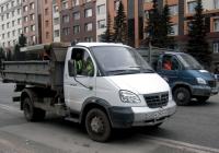 Самосвал на шасси ГАЗ-3310 Валдай #К 241 УН 72 . Тюмень, улица Республики