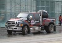 Рекламный шоумобиль крупной сети стрипклубов на базе Ford F650 #Е 800 ОК 70. Курган, Пролетарская улица