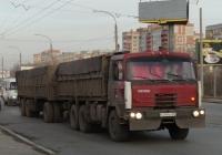 Бортовой грузовик Tatra T815 с прицепом, переоборудованным под перевозку зерна, №К 399 СН 55. Омская область, город Омск, улица Лукашевича