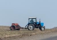 Трактор Беларус-82.1 (МТЗ-82.1). Донецкая область, Добропольский район, трасса Доброполье-Краматорск