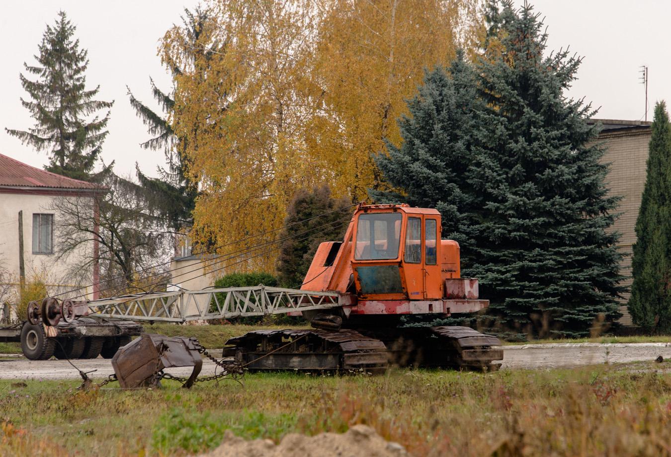 Экскаватор ЭО-3211* с оборудованием драглайна. Тернопольская область, г. Чортков