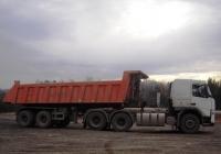 Седельный тягач Volvo FM* с самосвальным полуприцепом. Свердловская область, трасса Екатеринбург-Серов