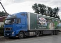 Седельный тягач Volvo FH460 #Т 309 УС 86 с полуприцепом . Тюмень, улица Чайковского