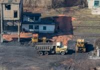 Тракторы Т-170* и самосвал КрАЗ-6510. Донецкая область, г. Родинское, шахта Родинская