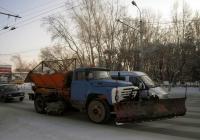 Комбинированная дорожная машина на шасси ЗИЛ-130. Тюмень, Ямская улица