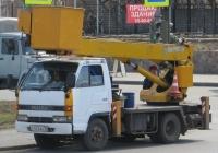 Автоподъёмник на шасси Isuzu ELF #T 472 BA 96. Курган, улица Климова