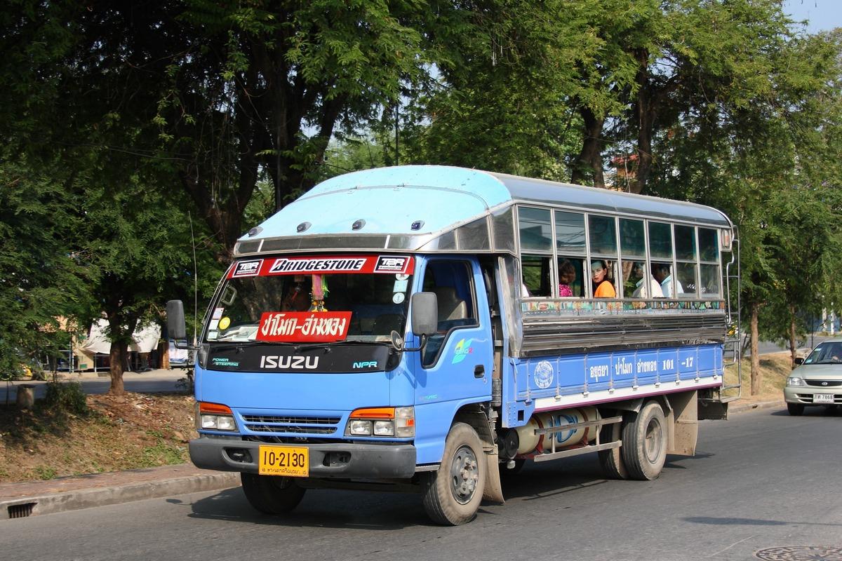 Бортовой грузовик Isuzu NPR #10-2130, оборудованный для перевозки пассажиров. Таиланд, Аюттая
